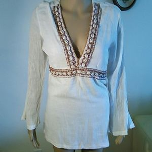 Tops - Cotton top with exclusive decoration.